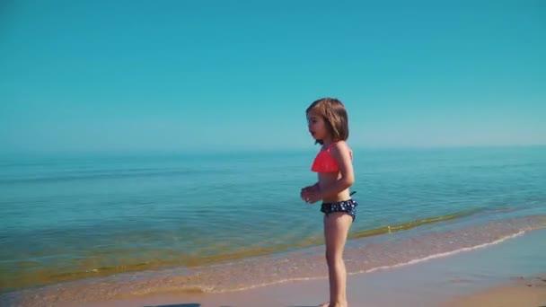 Худышки на море видео — pic 13