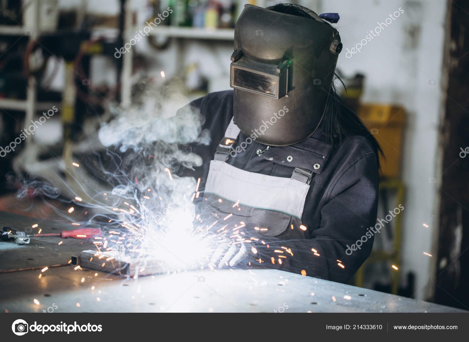 Strong Worthy Woman Welder Doing Hard Job Car Motorcycle Repair Stock Photo C Duxx73 214333610