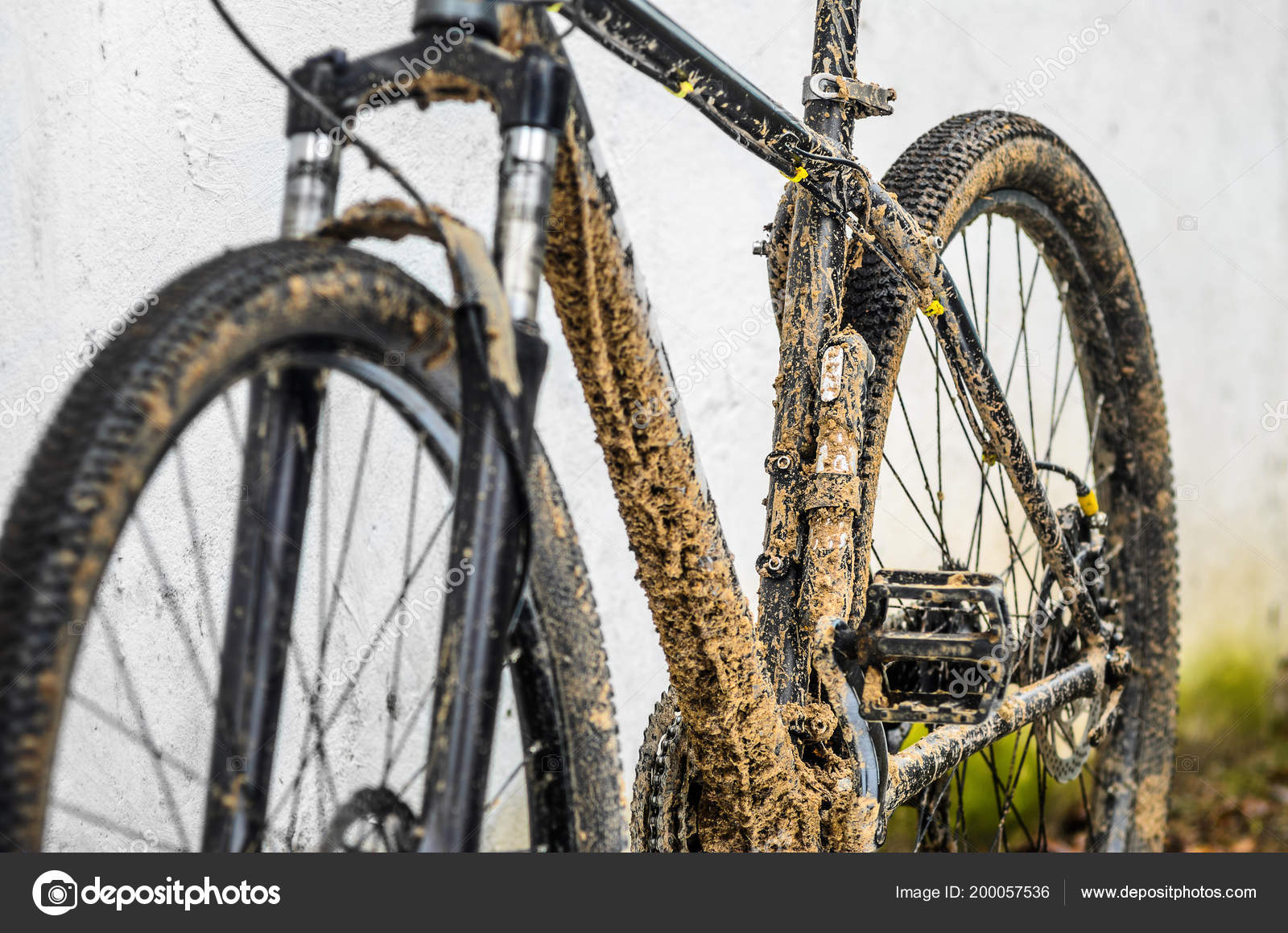 Dirty Bicycle Suspension Fork Riding Bad Weather Dirt Oil