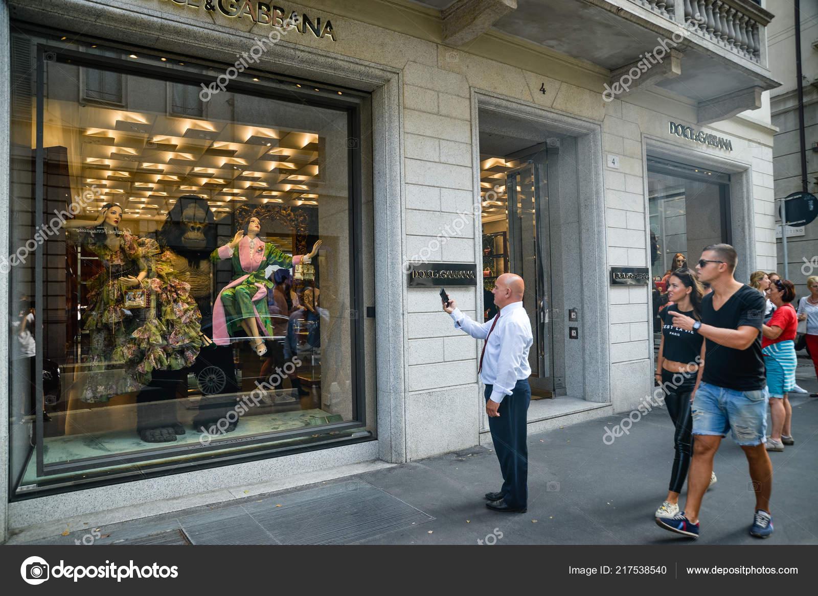 e471a42b540d7 Milan Italie Septembre 2018 Dolce Gabbana Magasin Milan Zone Montenapoleone  — Photo
