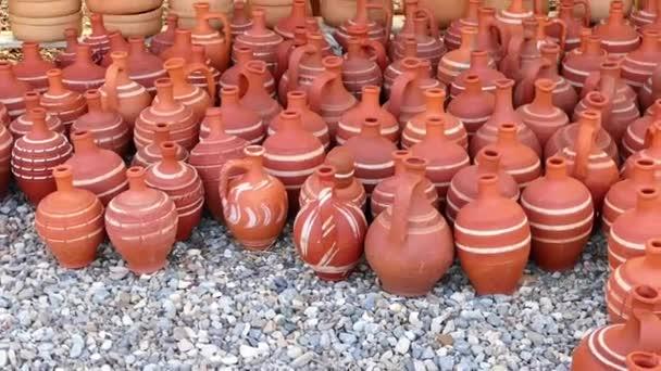 Typy Turecku Anatolia džbán vody, hliněné hrnce a kastrol jídla z hlíny,