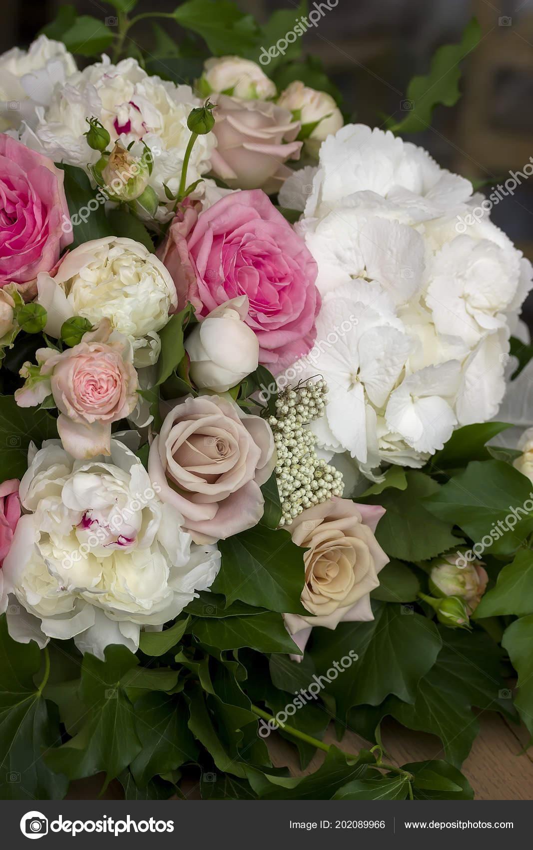 Rosen Und Pfingstrosen Blumen Blumenstrauss Dekoration Hochzeit