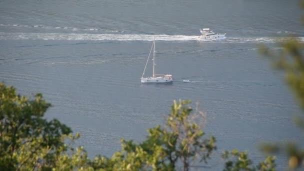 a vitorlás és jacht-tengeren