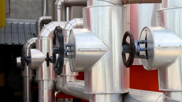 Topení rostlin kanály Factory - vytápění, armatury a potrubí