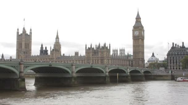 Big Ben, Westminsterský most a domy parlamentu v Londýně, Velká Británie, Velká Británie, Velká Británie, říjen 2011