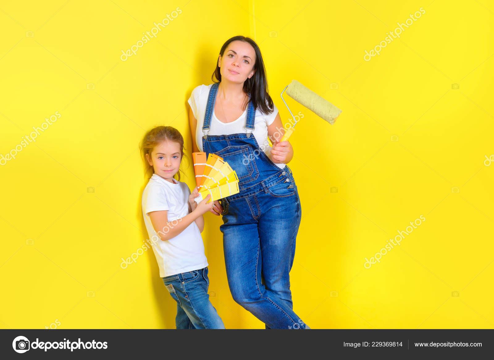 sala de pintura de pared de color Madre Con Hija Elegir Color Para Pintar Pared Reparacin