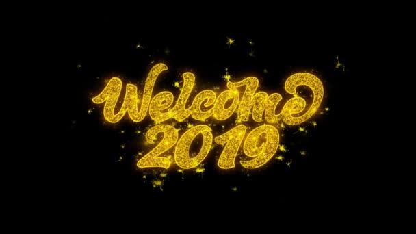 Vítá vás 2019 typografie napsal s zlatými částicemi jisker ohňostroje