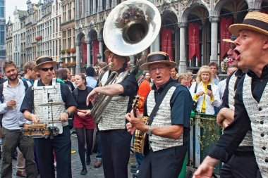 BRUSSELS, BELGIUM - SEPTEMBER 07, 2014: Musical performance on the Grand square in the center of Brussels during the Belgian Beer Weekend 2014.