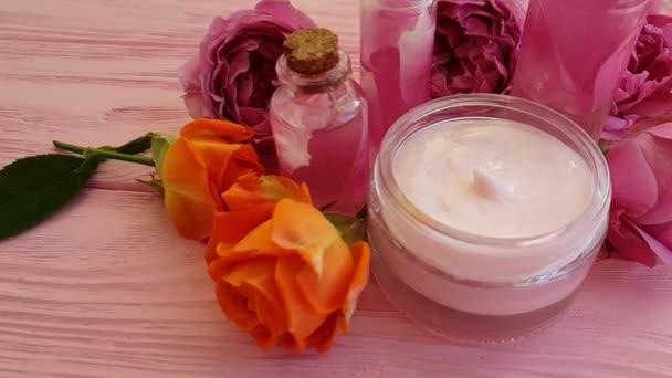 Rózsa-kivonat, gyertya, lassított kozmetikai krém