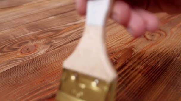 Malba dřevěný stůl top s lakem. 4k.