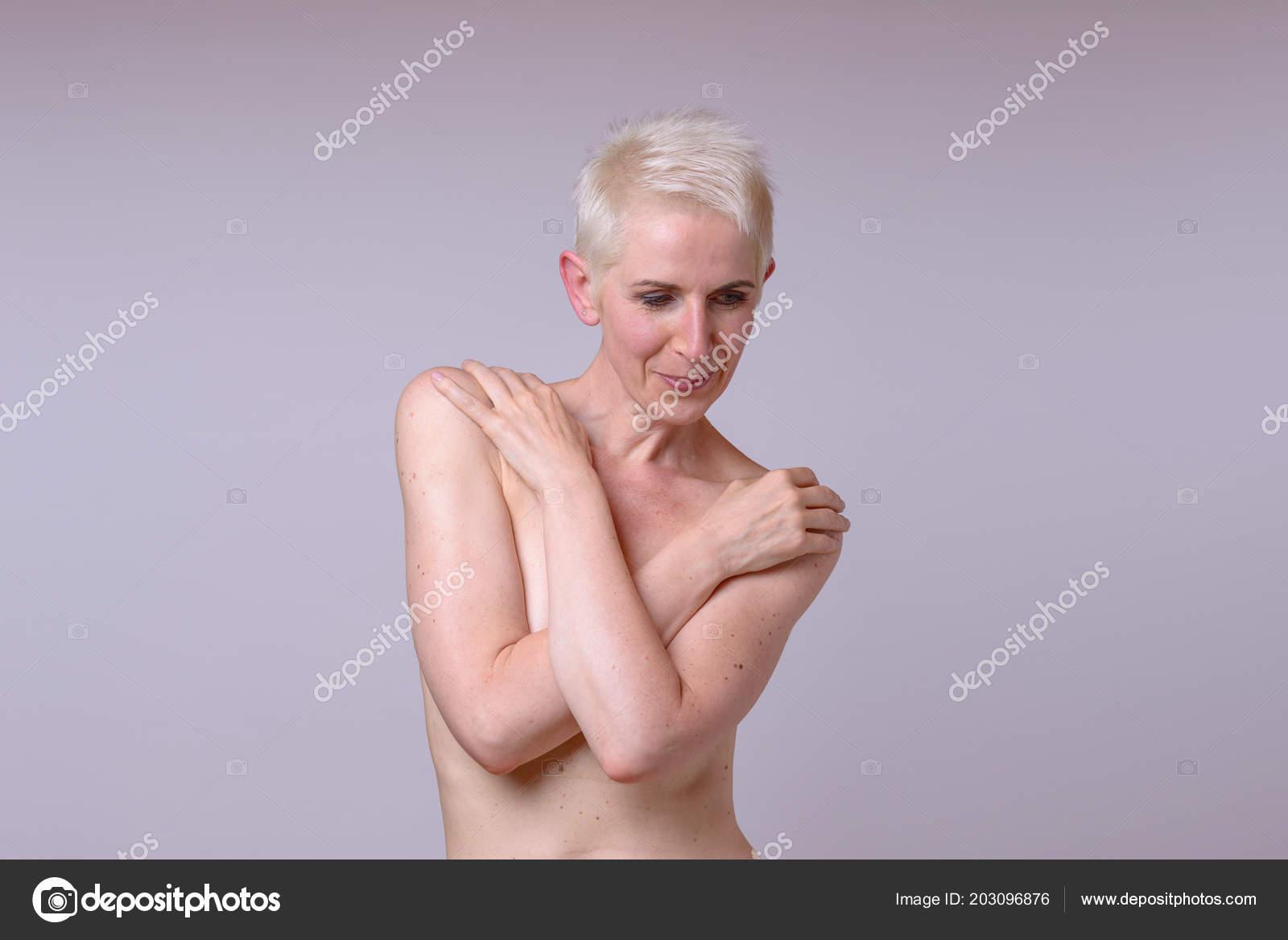 ώριμη γυμνό μοντέλα στρόφιγγες πορνό