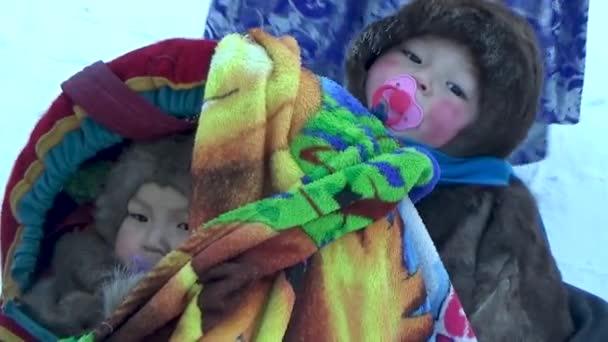 Děti ze sobích kůží