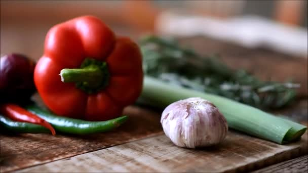 čerstvou zeleninu na stole