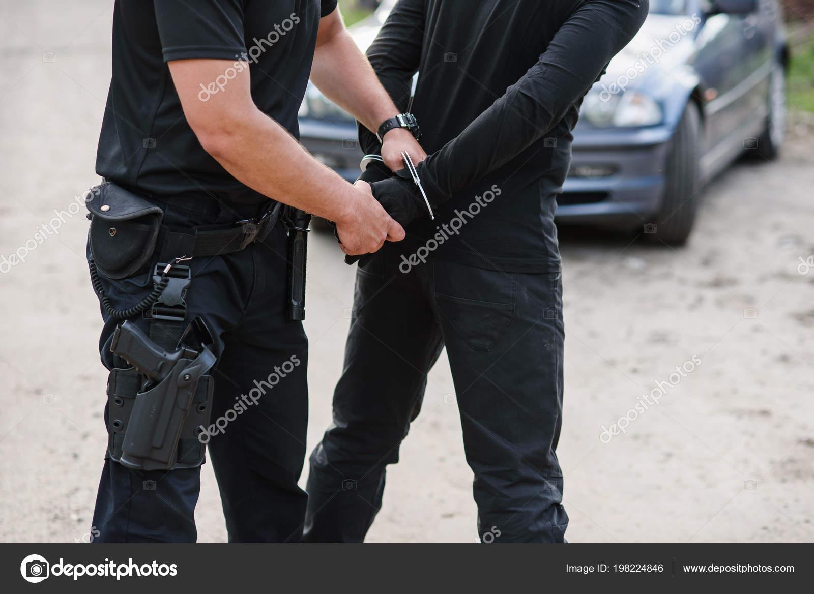policier arrêté meilleur sexe positions vidéo