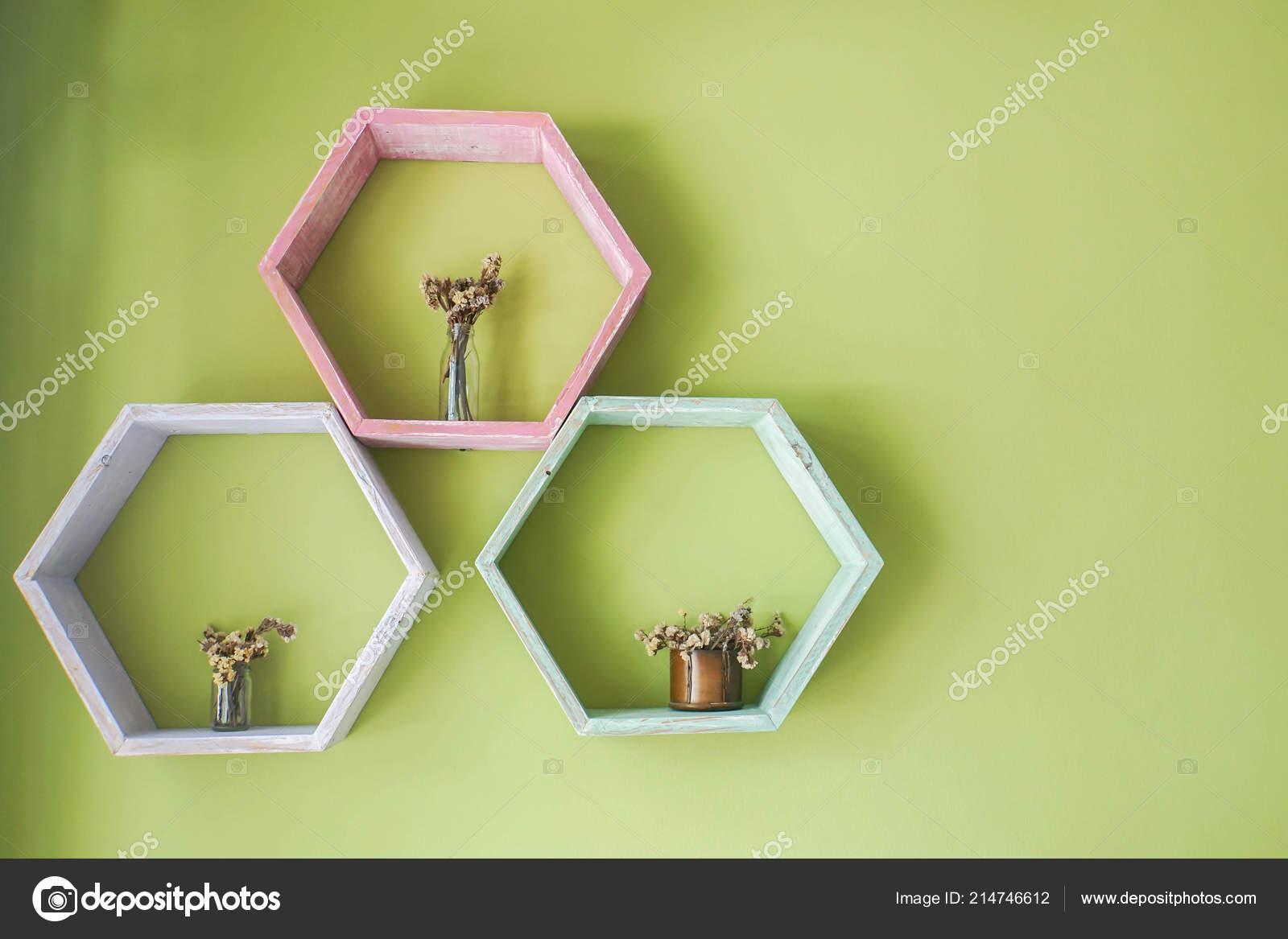 Mensole Colorate In Legno.Mensola Legno Colorato Creativo Pentagono Sulla Parete Della Casa