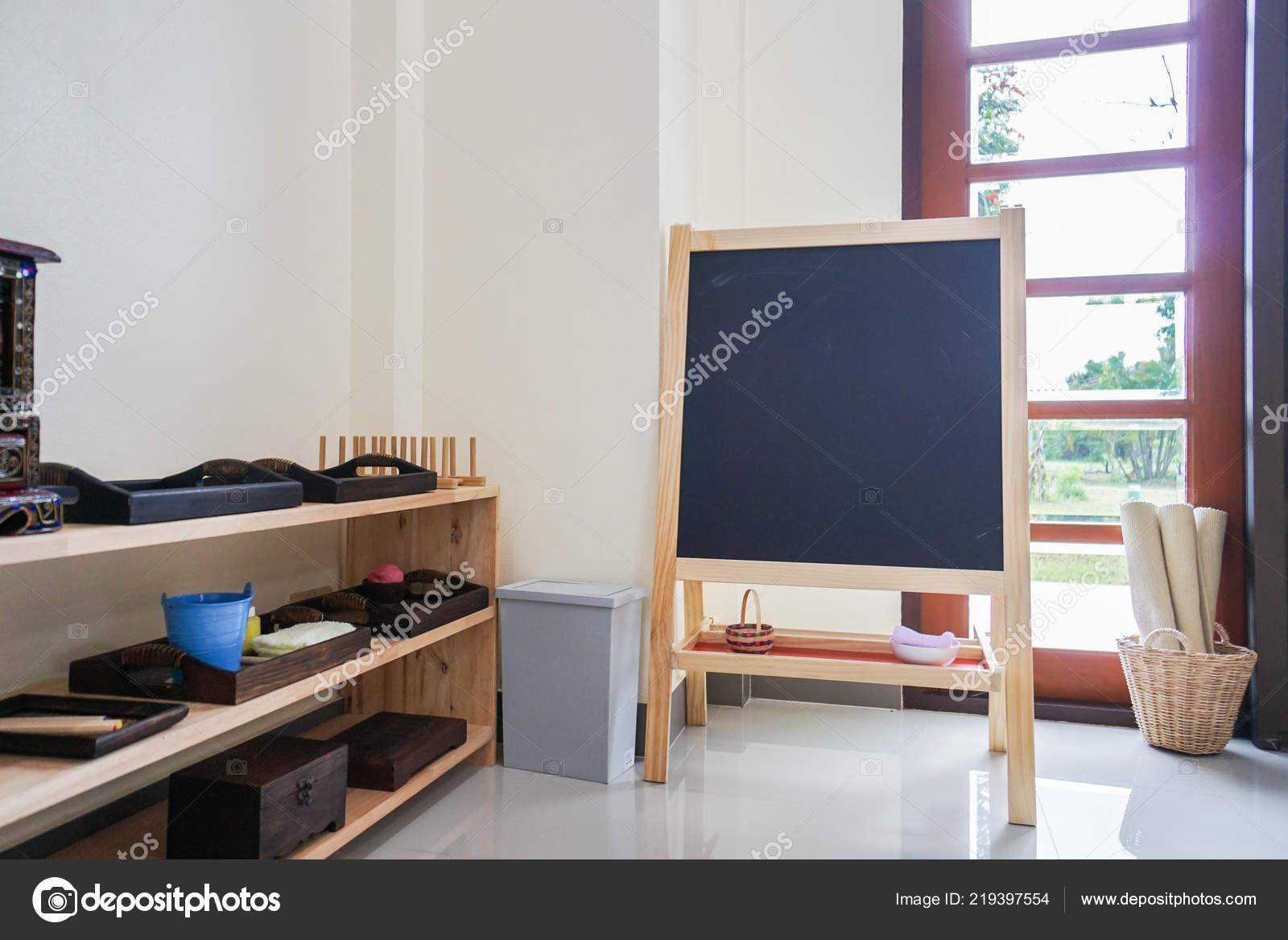 Wandtafel Für Kinder Bildung Mit Spielsachen Kinderzimmer ...