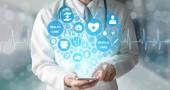 Medico con grafica medica medica in ospedale