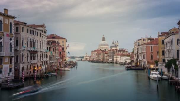 Časová prodleva benátského Grand Canal panorama v Itálii