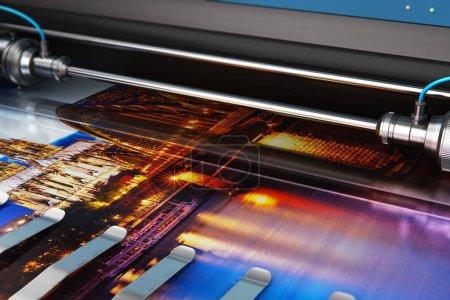 Photo pour Illustration de rendu 3D de bannière photo d'impression sur traceur couleur grand format en typographie ou imprimerie - image libre de droit