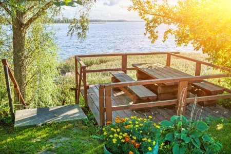 alcove for rest and meeting on eddge of big lake