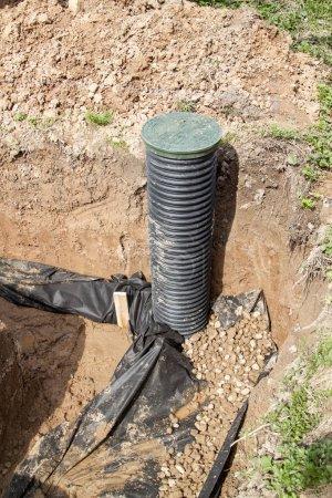 tuyaux de drainage et d'inspection bien pour l'élimination de l'eau provenant d'un site en construction de la maison