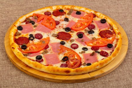 Pizza with ham and olives...