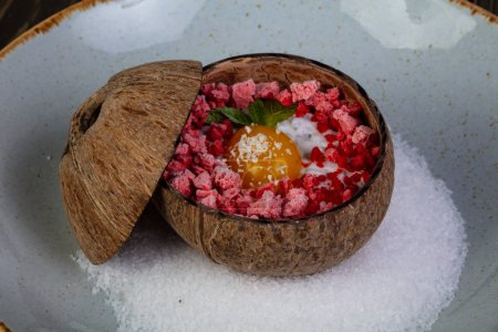 Dessert in the coconut with shugar