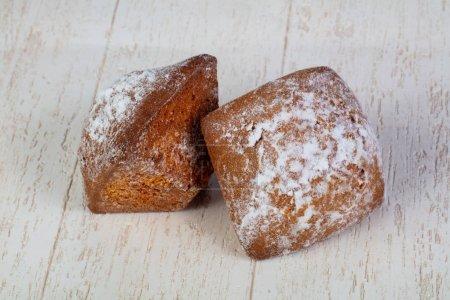 Photo pour Délicieux et sucré muffin au four - image libre de droit