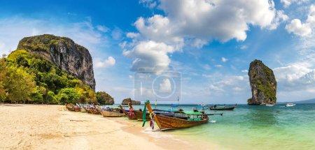 Photo pour Panorama de l'île de Poda, Thaïlande dans une journée d'été - image libre de droit