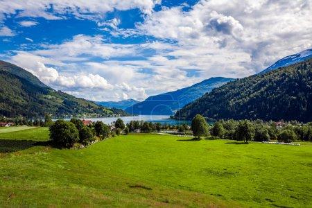 Foto de Hermoso paisaje natural de la naturaleza Noruega - Imagen libre de derechos