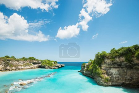 islands of indonesia blue water