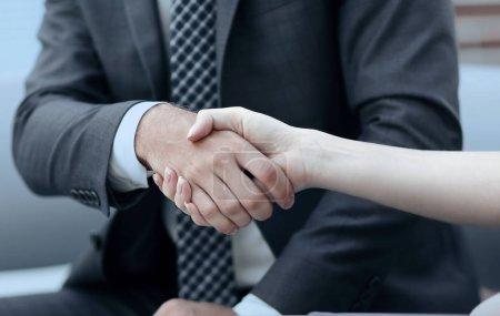 poignée de main Close-up de partenaires commerciaux