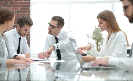 Photo for Business team discussing new ideas.the concept of teamwork - Royalty Free Image