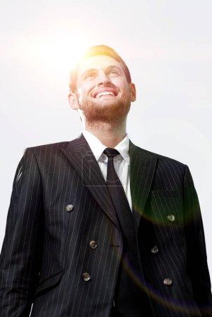 Photo pour En pleine growth.portrait d'un avocat isolé sur fond blanc - image libre de droit
