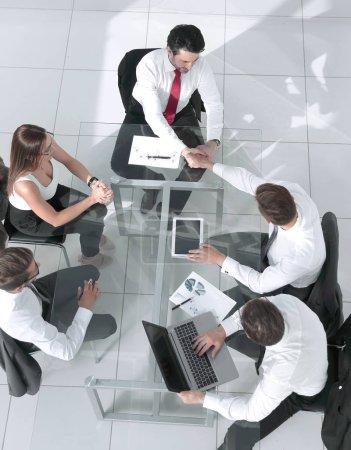 Photo pour Réunion de l'équipe d'affaires poignée de main Applaud Concept - image libre de droit