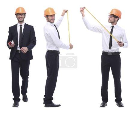 Photo pour En pleine croissance .successful architecte ingénieur en casque orange. collage photo - image libre de droit