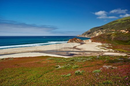 View of green hills and pacific coast landscape in California, USA