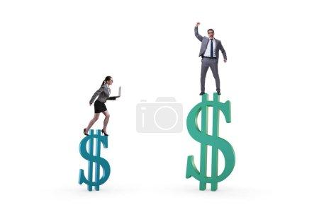Photo pour Notion d'inégalité de rémunération et d'écart de genre entre hommes et femmes - image libre de droit