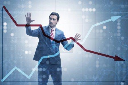 Photo pour Homme d'affaires dans le commerce et la finance concept - image libre de droit