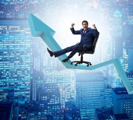 Photo pour Le concept d'homme d'affaires en croissance économique - image libre de droit
