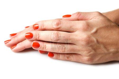 Photo pour Manucure ongles obtention par femme. vernis à ongles rouge - image libre de droit
