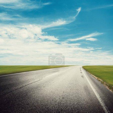 Photo pour Fond en plein air de route autoroute clair - image libre de droit