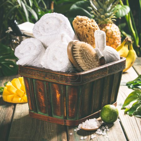 Photo pour Tropical Spa cadre : vacances d'été et concept de détente - image libre de droit