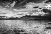 """Постер, картина, фотообои """"Живописный ландшафт горной реки с традиционными природы Исландии на удивительные солнце набор"""""""