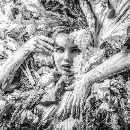 Photo pour Fairy tale girl in fantasy stylization. Black-white photo. - image libre de droit