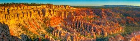 Foto de Parque Nacional Bryce Canyon, vista panorámica de formaciones rocosas . - Imagen libre de derechos