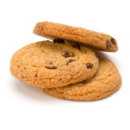 Photo pour Biscuits aux pépites de chocolat isolés sur fond blanc. Biscuits sucrés. Pâtisserie maison. - image libre de droit