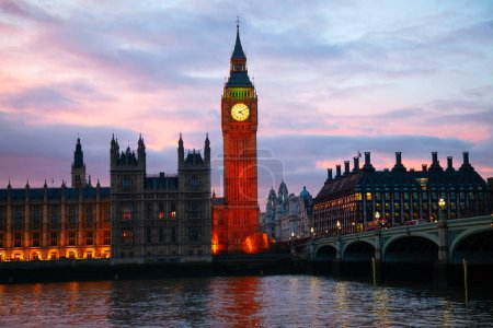 Photo pour Tour de l'horloge célèbre ben gros à Londres, uk. - image libre de droit