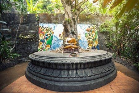Photo pour Lieu de prière Bouddha en méditation - image libre de droit