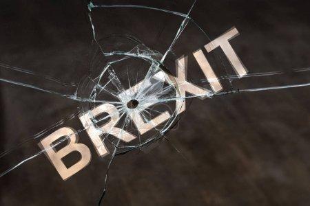 Photo pour Concept de retarder ou d'annuler le Brexit. Retard de la sortie du Royaume-Uni de l'Union européenne - image libre de droit